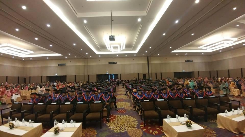Rapat Senat Terbuka Luar Biasa Wisuda Program Diploma Ke-32