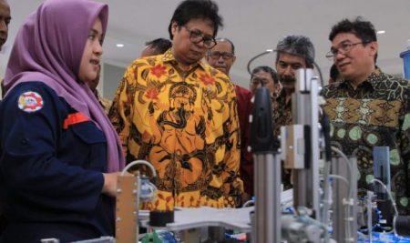 Menteri Perindustrian Apresiasi Fasilitas Politeknik ATI Makassar