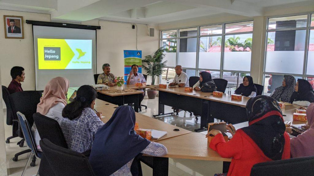 Sosialisasi Aplikasi Hello Jepang di Politeknik ATI Makassar untuk Penempatan Tenaga Kerja di Jepang yg bergaji kisaran 30 Jutaan