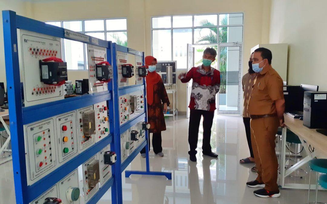 Kepala DPPK dan UKM Soppeng Kunjungi Politeknik ATI Makassar