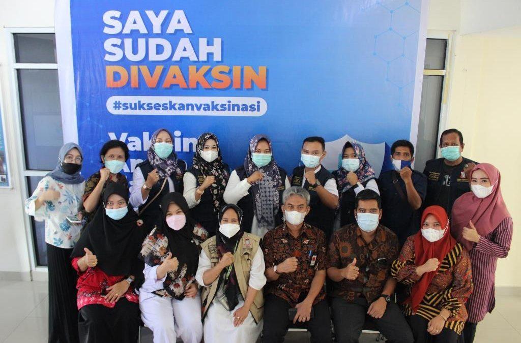 Pegawai Politeknik ATI Makassar Jalani Vaksinasi Covid-19